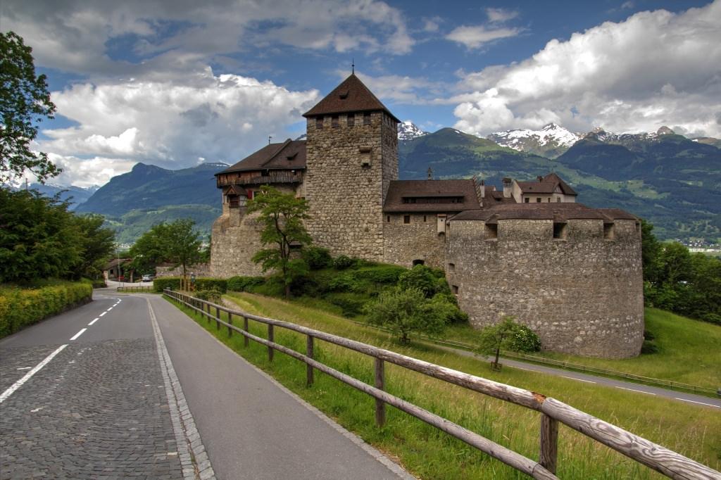 достопримечательности лихтенштейна фото и описание именно
